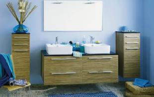 Salle de bain en chêne zebrano clair